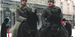 Два всадника на лошадях  в кино